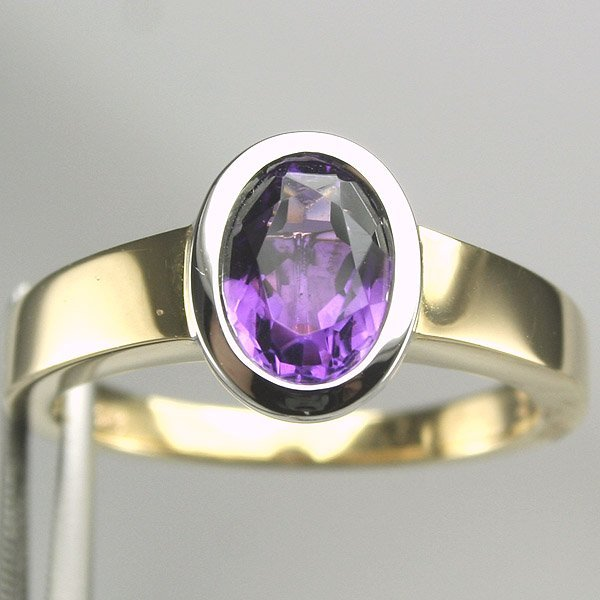 2036: 14KT Oval Amethyst Two Tone Ring