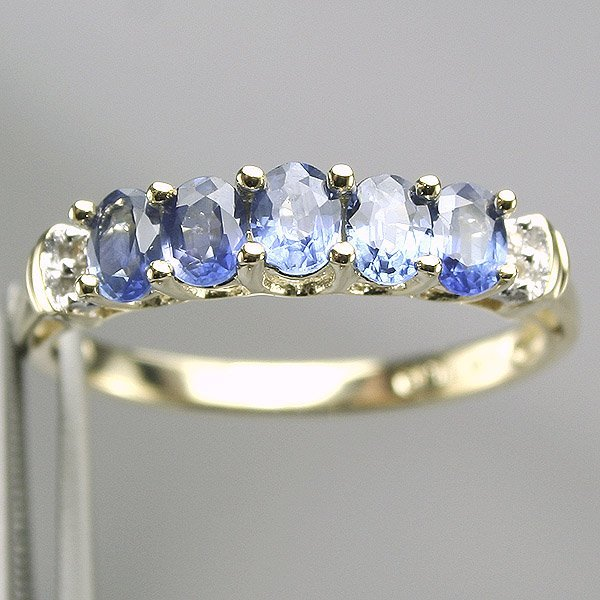 4020: 10KT Sapphire Diamond Ring 0.02 CT Sz7.25