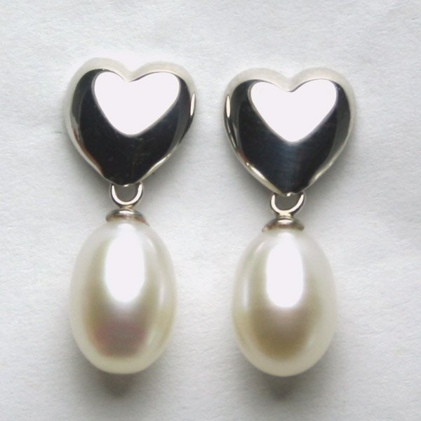 4006: 14KT WG Heart and Pearl Drop Earrings