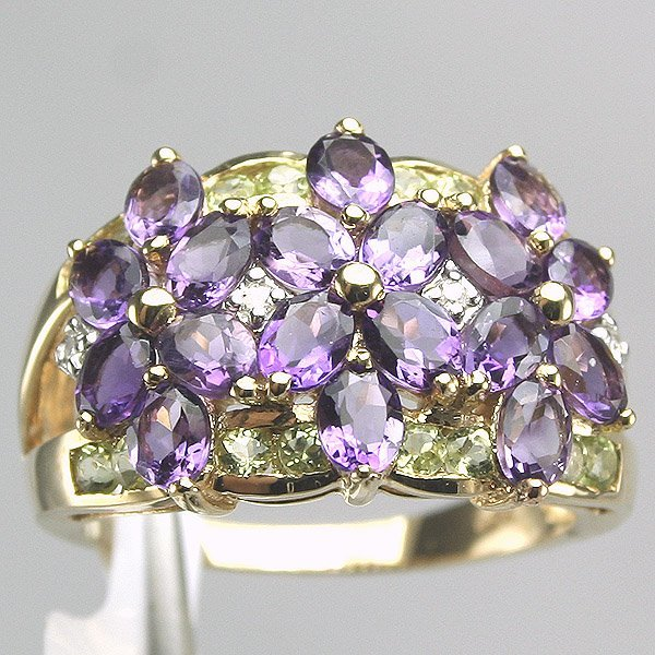 4025: 14KT Amethyst Peridot Diamond Ring 0.03CT
