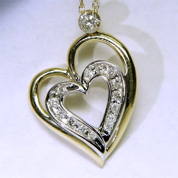 1018: 14KT Diamond Heart Pendant and Chain 0.25TCW 18mm