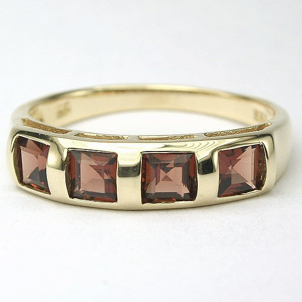 1318: 14KT Four Square 0.68tcw Garnet Ring Sz 7.25