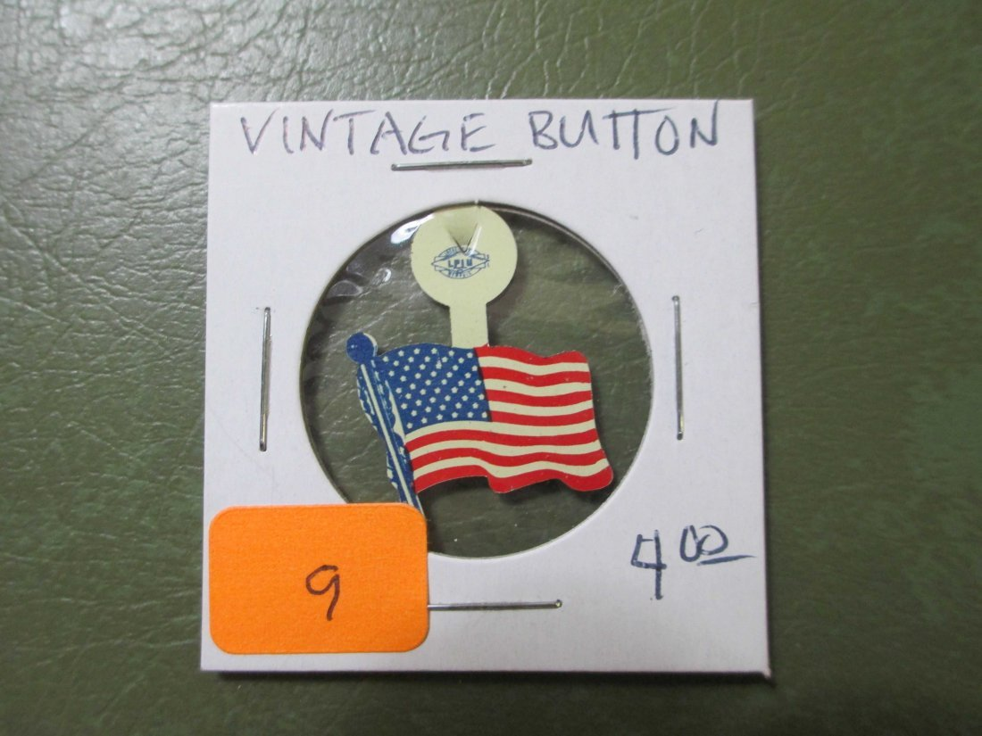 vintage USA Flag fold over pim/button