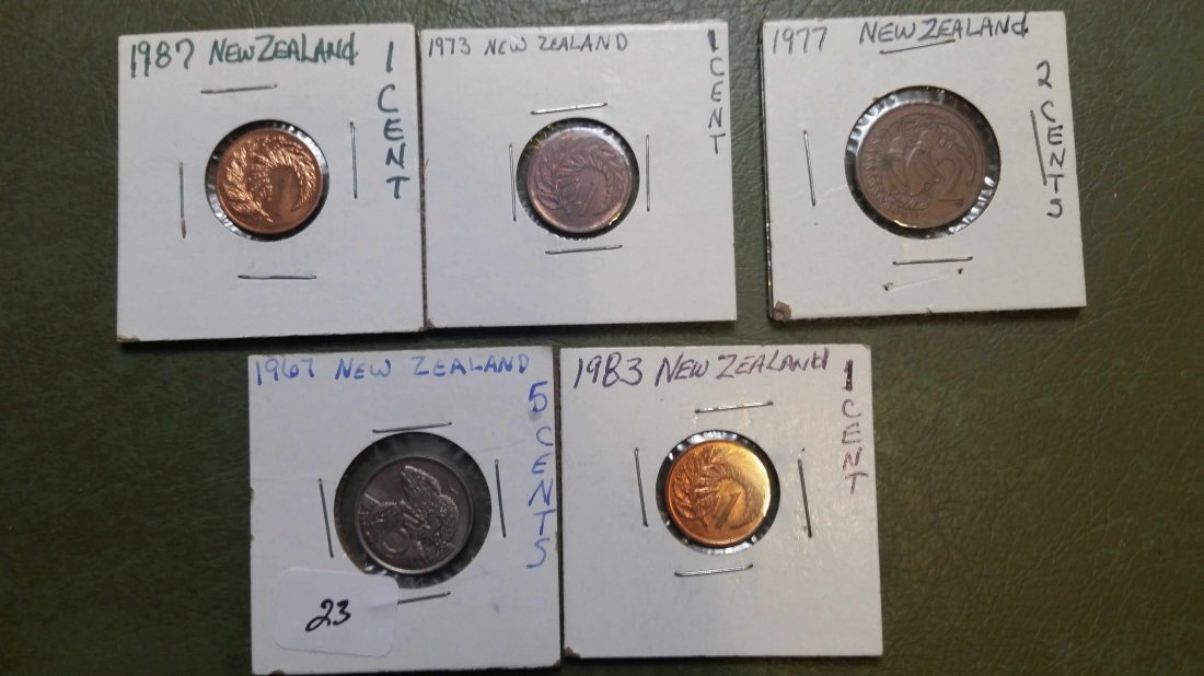 LOT OF 5 NEW ZEALAND WORLD COINS