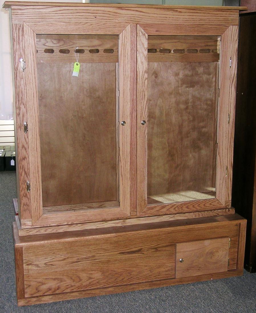 13-Gun Oak Cabinet