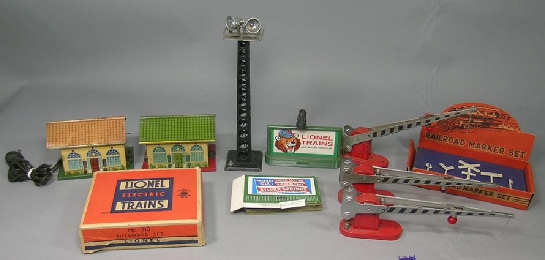 Assorted Lionel and Marx Accessories