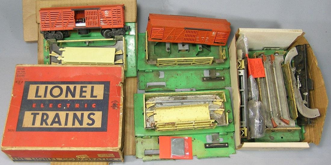 Lionel 3656 Operating Cattle Car and Corral Set
