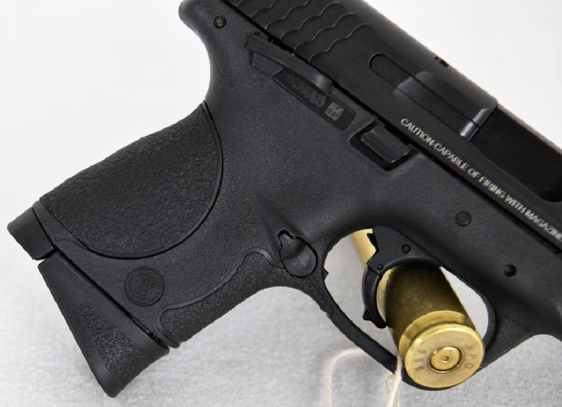 Brand New Smith & Wesson 40c .40 S&W Compact - 10