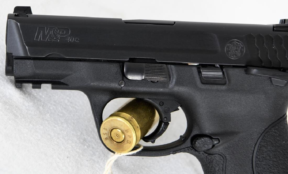 Brand New Smith & Wesson 40c .40 S&W Compact - 3