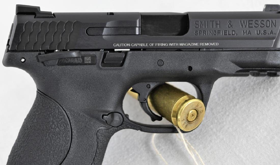 Brand New Smith & Wesson 40c .40 S&W Compact - 9