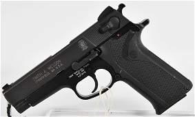 Smith & Wesson Model 410 Semi Auto .40 S&W Pistol