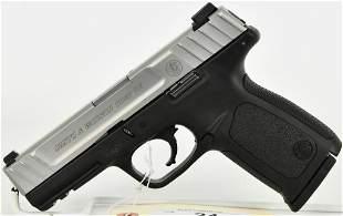 Smith & Wesson SD40 VE Semi Auto Pistol .40 S&W