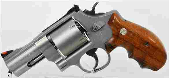 RARE Smith and Wesson Model 610-2 Unfluted 10mm