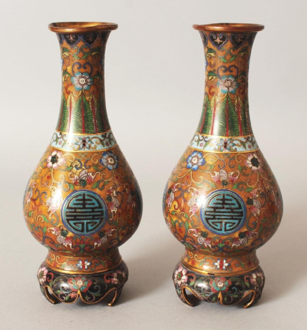 A PAIR OF GOOD QUALITY 19TH CENTURY CHINESE CLOISONNE
