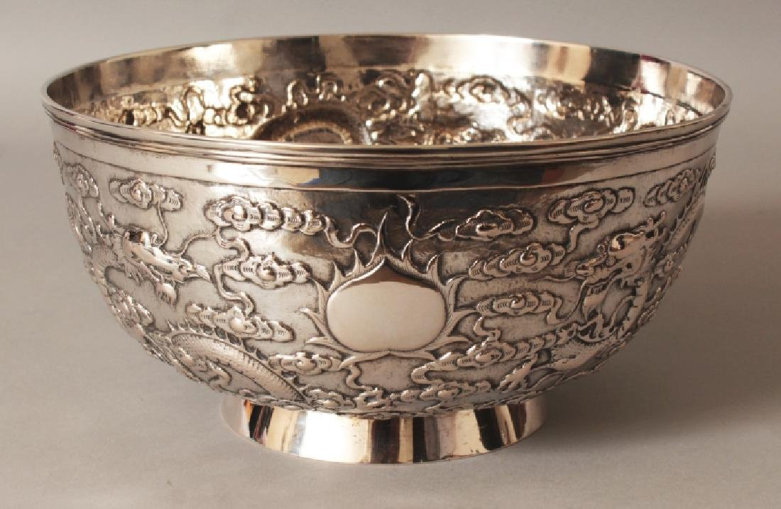 A GOOD EARLY 20TH CENTURY CHINESE SILVER BOWL, possibly