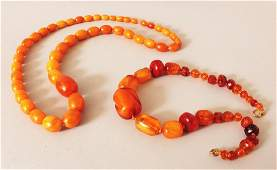 AN AMBER NECKLACE weighing 55gm composed of