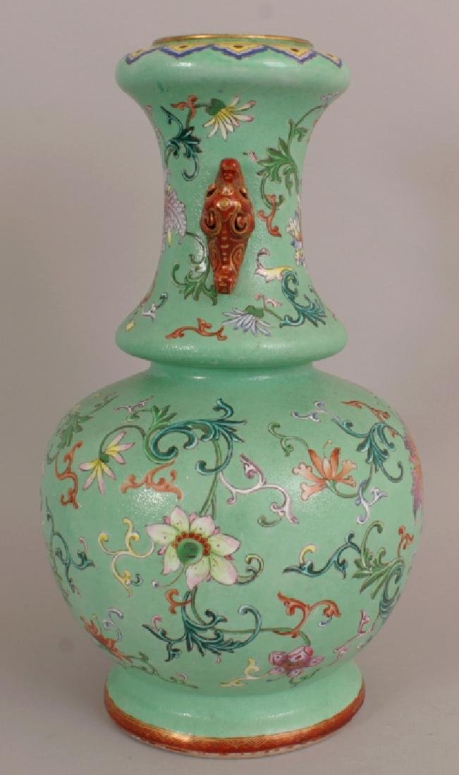 A FINE QUALITY EARLY 19TH CENTURY CHINESE LIME GREEN - 2