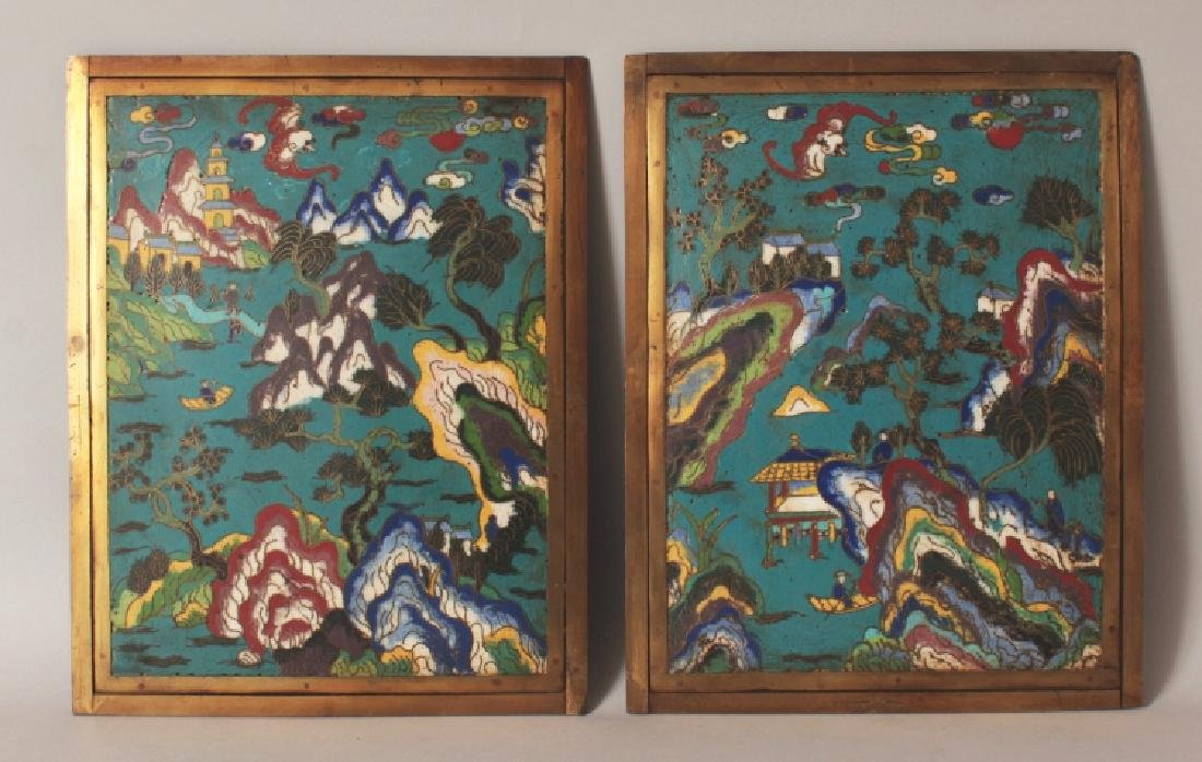 A GOOD PAIR OF 18TH/19TH CENTURY CHINESE CLOISONNE