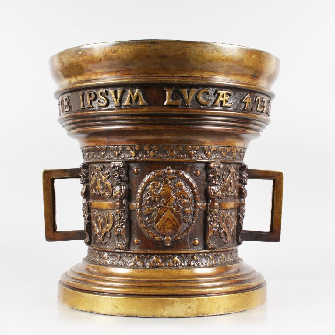 AN EXTREMELY LARGE 16TH CENTURY DESIGN TWO HANDLED
