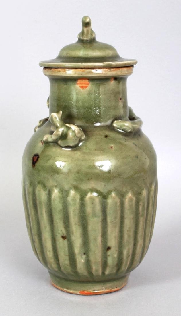 A RARE CHINESE SOUTHERN SONG DYNASTY LONGQUAN STONEWARE - 4