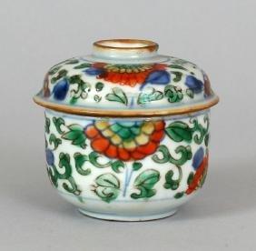 A SMALL CHINESE KANGXI PERIOD WUCAI PORCELAIN BOWL &