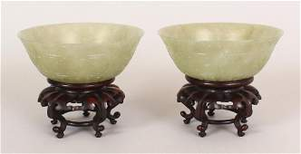 A NEAR PAIR OF GOOD QUALITY 19TH/20TH CENTURY CHINESE
