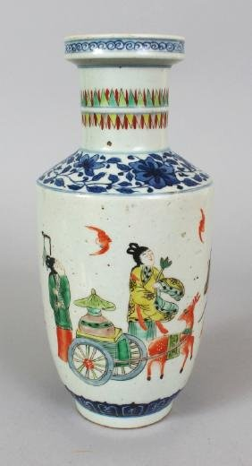 A CHINESE FAMILLE VERTE PORCELAIN ROULEAU VASE,