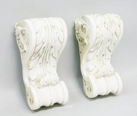 A PAIR OF ACANTHUS MOUNTED BRACKETS.  1ft 6ins long.