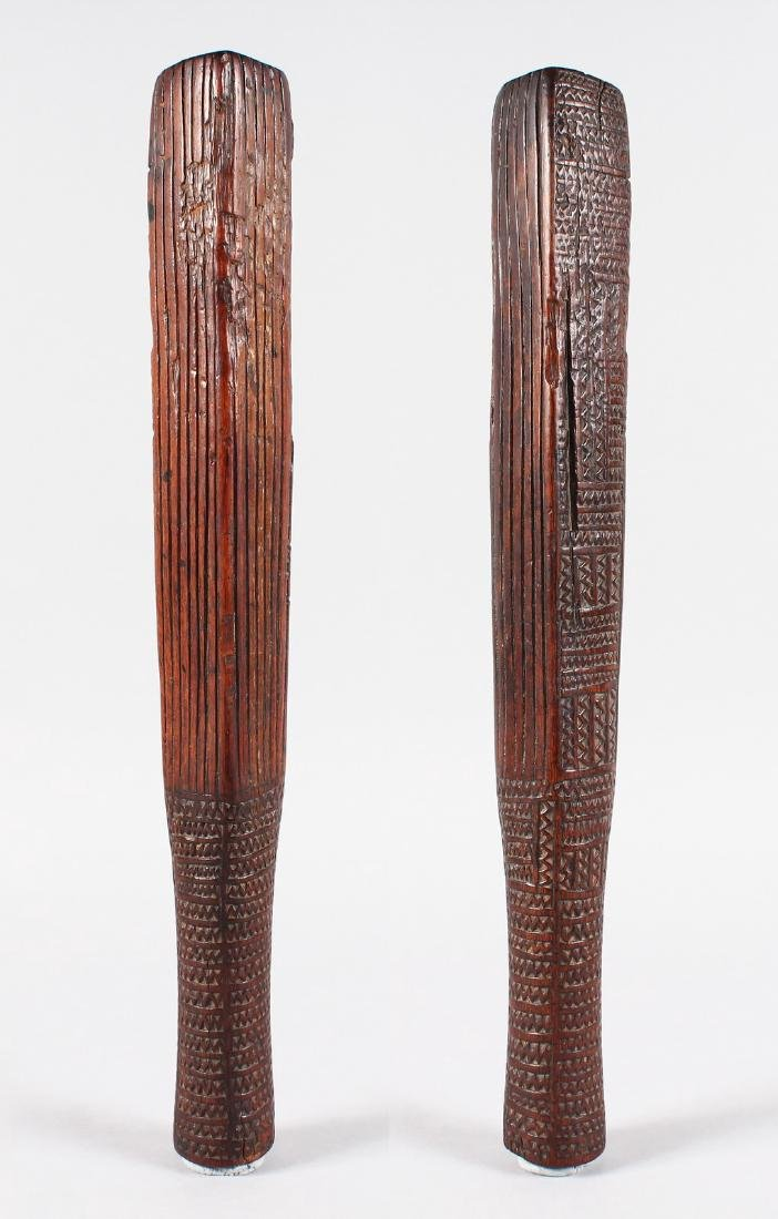 A RARE GILBERT ISLANDS CARVED WOOD CLOTH BEATER, four - 2