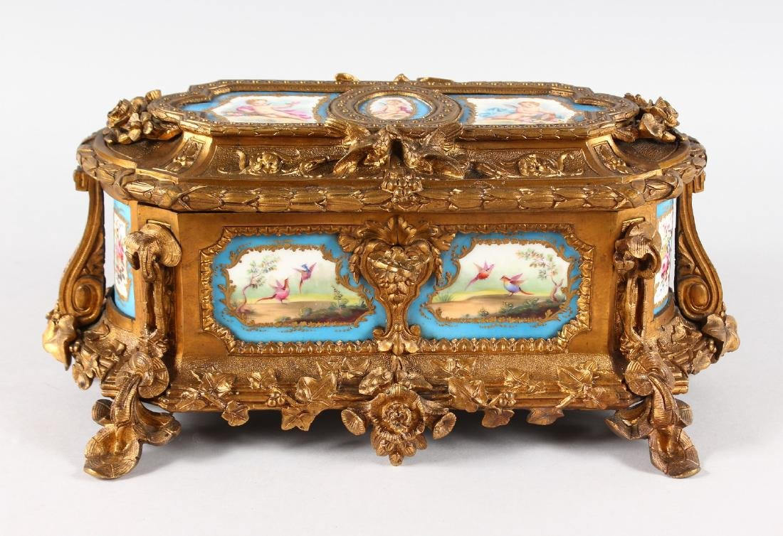A SUPERB 19TH CENTURY FRENCH ORMOLU JEWELLERY BOX with
