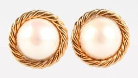 A PAIR OF YELLOW GOLD AND PEARL EAR CLIPS.