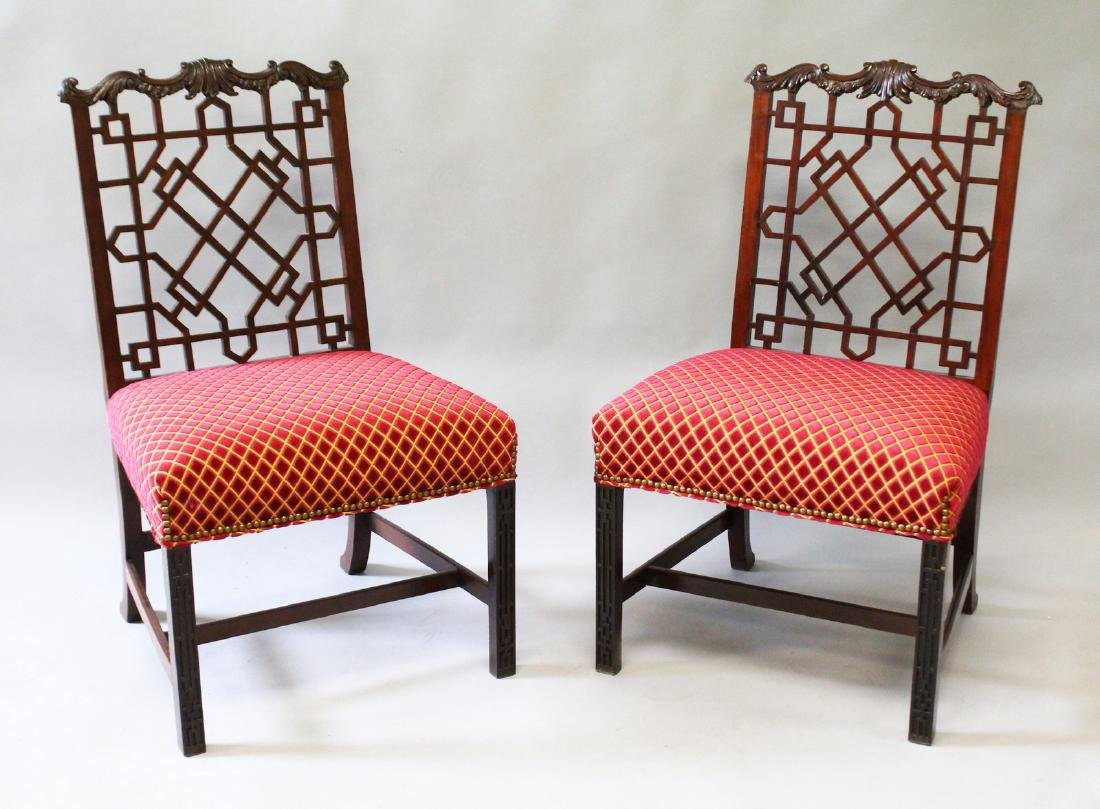 A GOOD PAIR OF CHINESE CHIPPENDALE MAHOGANY SINGLE