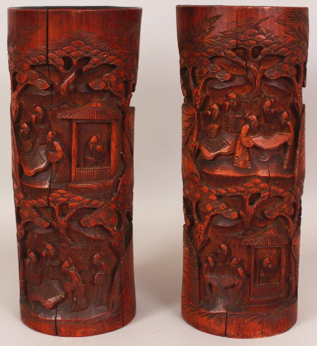 A LARGE PAIR OF EARLY 20TH CENTURY CHINESE CARVED