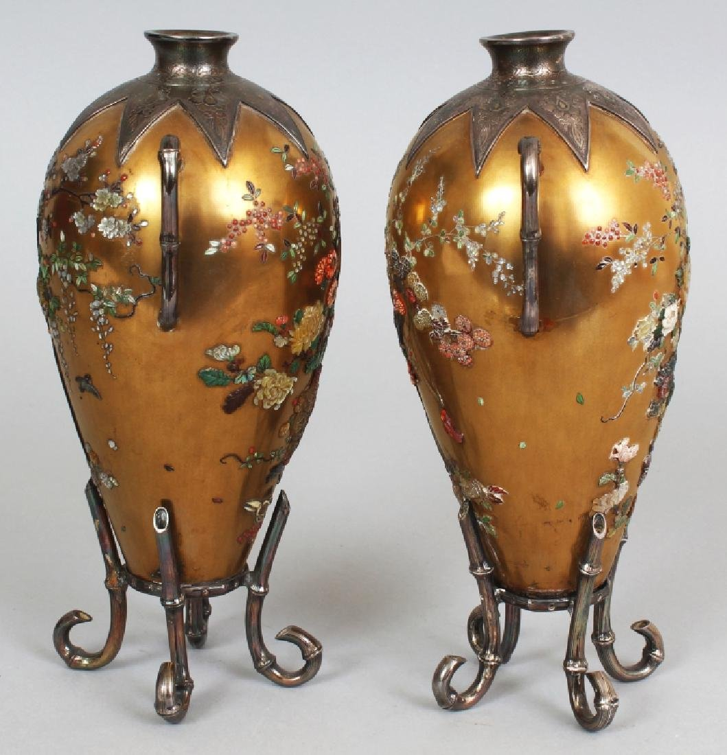 A GOOD PAIR OF JAPANESE MEIJI PERIOD SILVER MOUNTED - 2