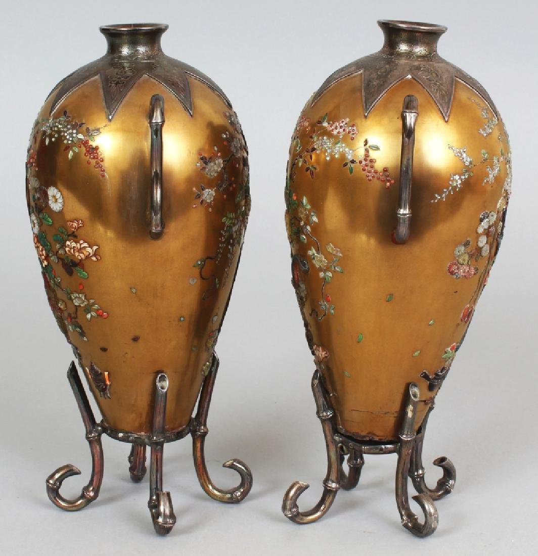 A GOOD PAIR OF JAPANESE MEIJI PERIOD SILVER MOUNTED - 4