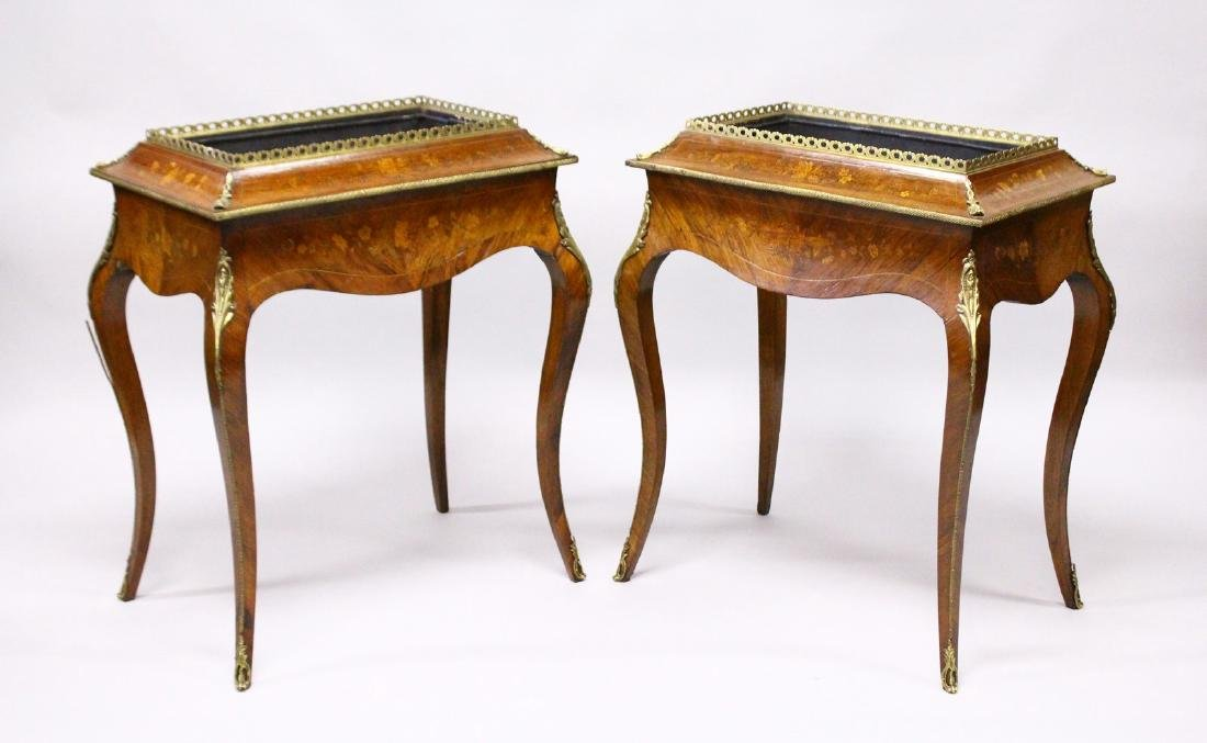 A PAIR OF 19TH CENTURY FRENCH KINGWOOD AND MARQUETRY