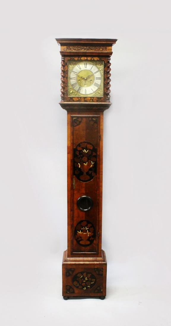 A VERY GOOD EARLY 18th CENTURY WALNUT AND MARQUETRY