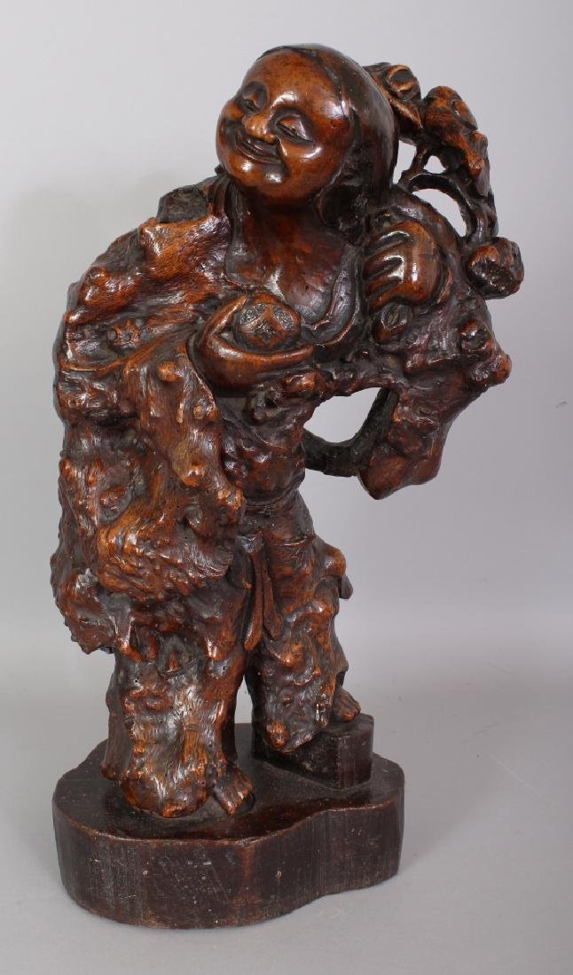A LARGE GOOD QUALITY 19TH CENTURY CHINESE ROOTWOOD