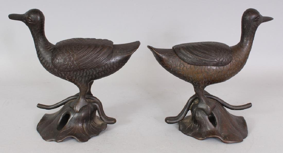 A GOOD PAIR OF 19TH CENTURY CHINESE DUCK FORM CENSERS & - 3