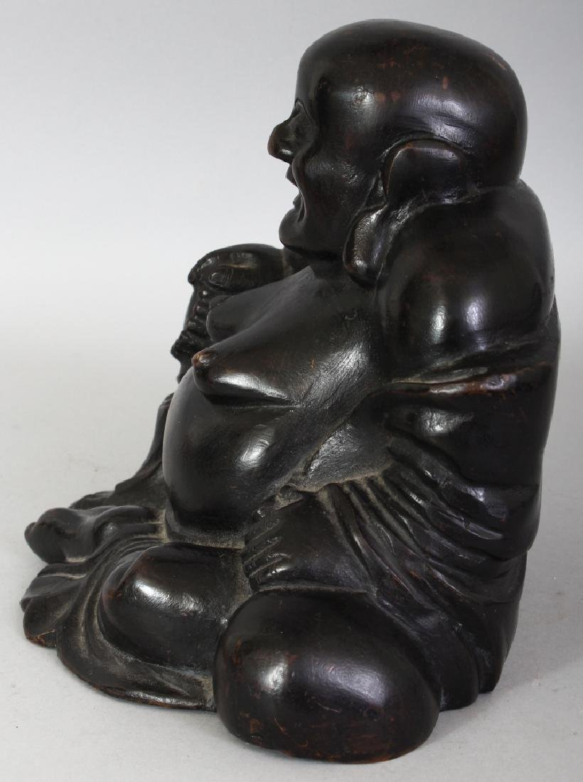 A CHINESE QING DYNASTY BRONZE FIGURE OF BUDAI, seated - 4