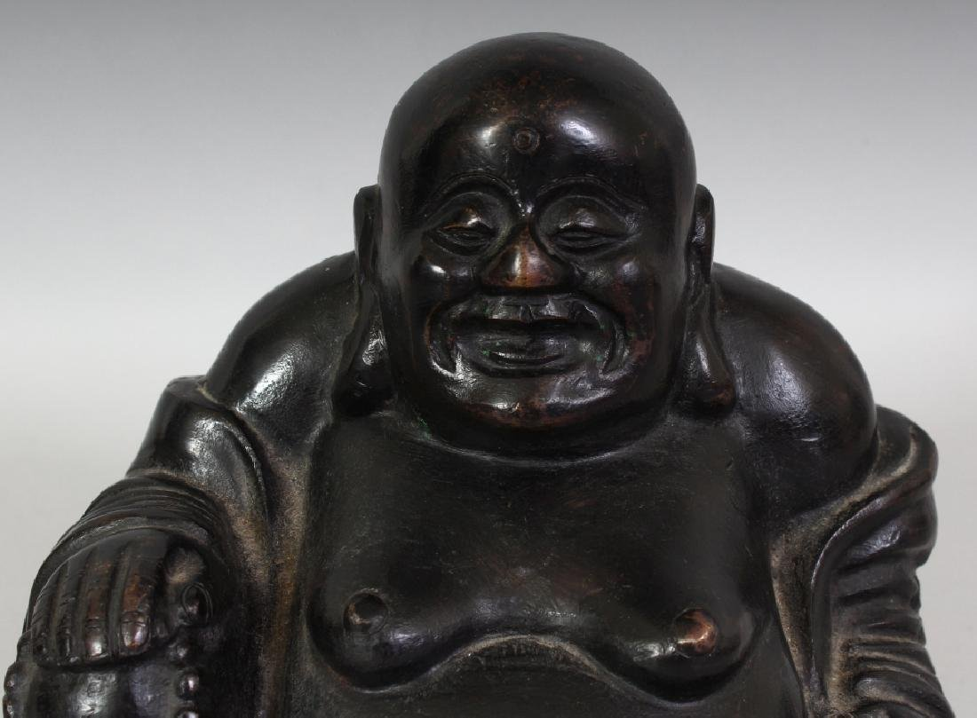 A CHINESE QING DYNASTY BRONZE FIGURE OF BUDAI, seated - 5