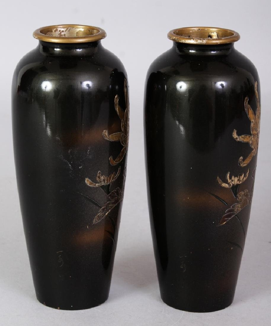 A SMALL PAIR OF EARLY 20TH CENTURY SIGNED JAPANESE - 4