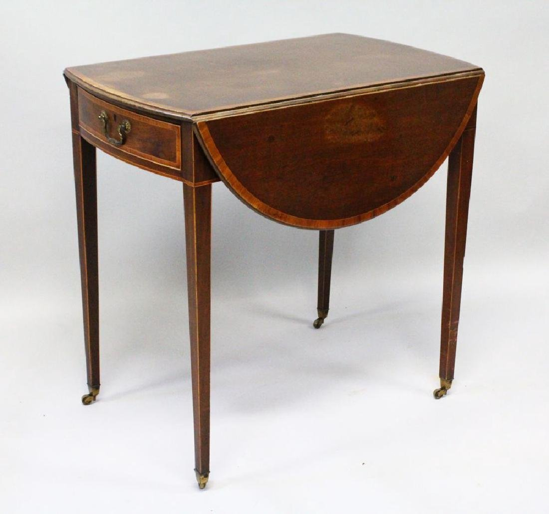 A GOOD MAHOGANY OVAL PEMBROKE TABLE with crossbanded