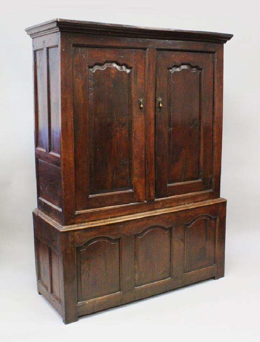 AN 18TH CENTURY OAK HANGING CUPBOARD, the upper section