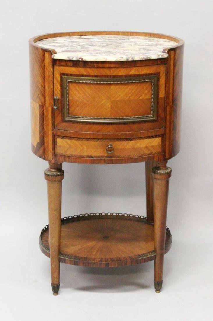 A 1920'S FRENCH KINGWOOD OVAL BEDSIDE COMMODE, with