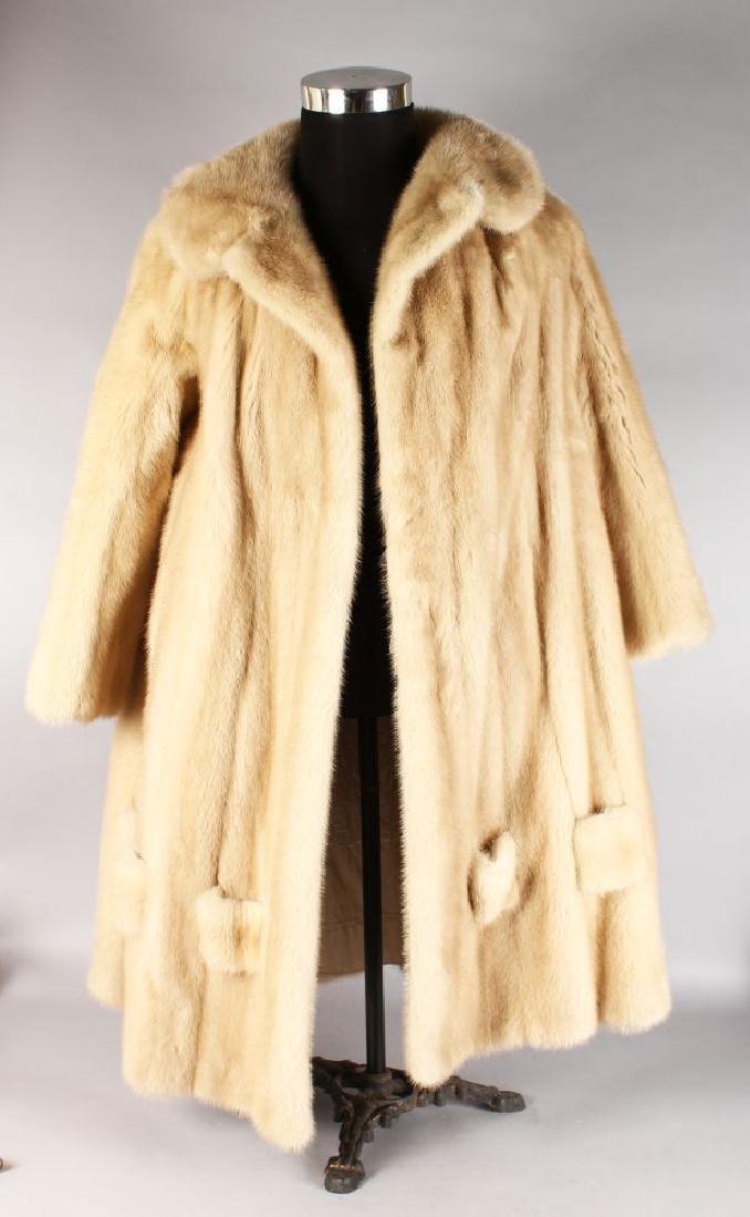 A VINTAGE MID CALF MINK FUR SWING COAT, size L.