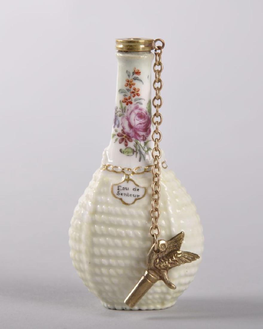 AN 18TH CENTURY CHELSEA PORCELAIN PERFUME BOTTLE, - 2