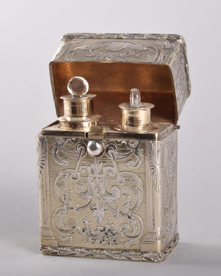 A 19TH CENTURY FRENCH SILVER AND SILVER GILT CASE in
