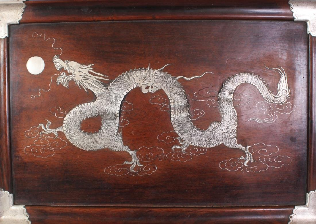 AN EARLY 20TH CENTURY CHINESE SILVER-METAL ONLAID & - 2