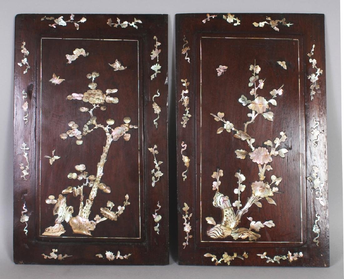A PAIR OF 19TH/20TH CENTURY CHINESE MOTHER-OF-PEARL